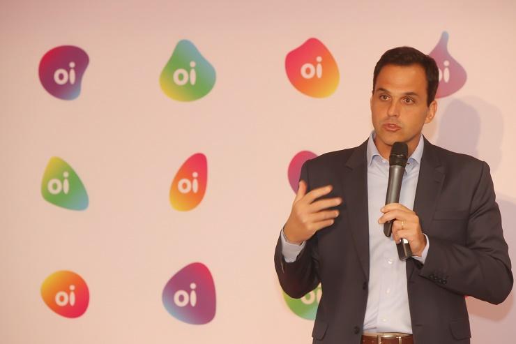 Bayard Gontijo, presidente da Oi, apresenta novo logo da operadora.