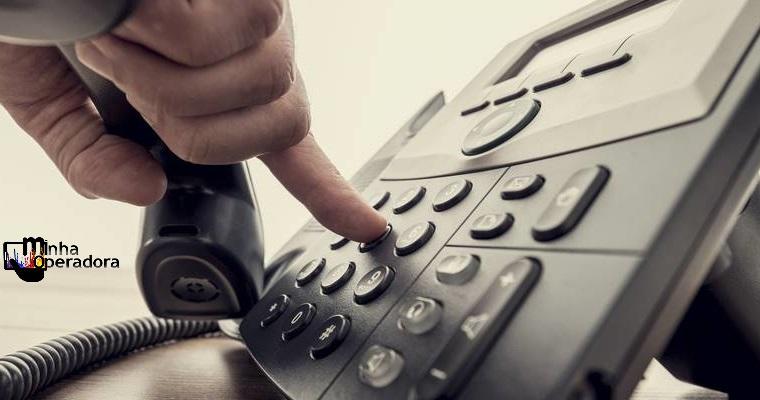 Mesmo com corte em tarifas para celular, fixo tem queda em fevereiro