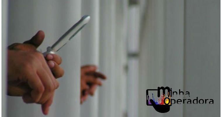 Federações endossam coro contra bloqueio de celular em presídios