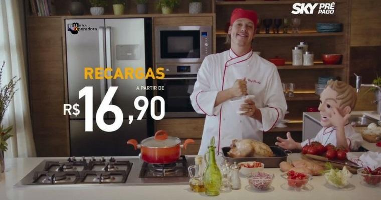 Comercial da SKY com Fábio Porchat divulga planos de TV pré-pago