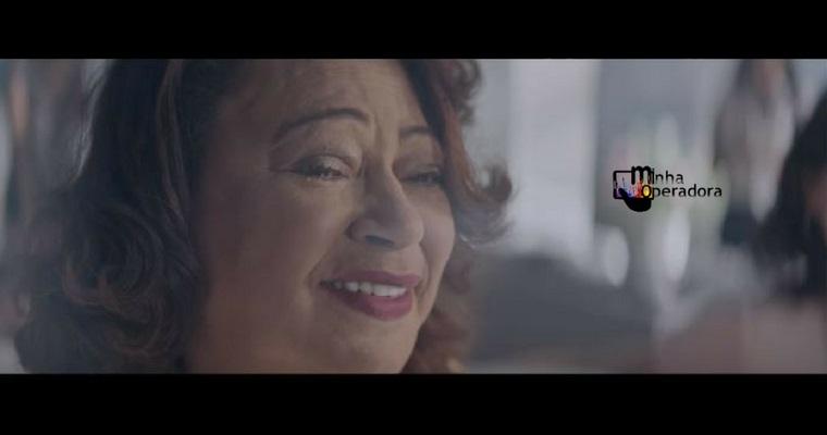 Mãe de Gabriel Jesus emociona em mais um comercial da Vivo