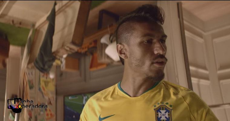 Jogador Paulinho é protagonista de novo comercial da Vivo Fibra