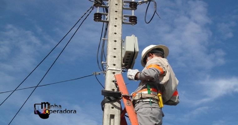 Postes de telefonia são usados clandestinamente no Grande Recife
