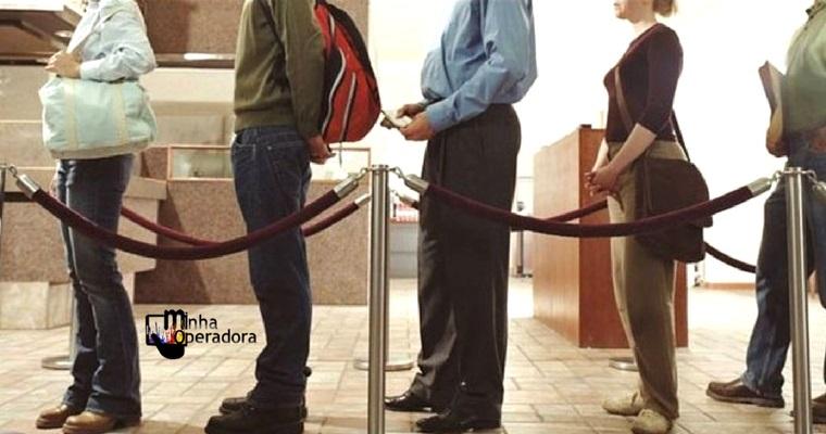Operadoras devem atender clientes em no máximo 15 minutos
