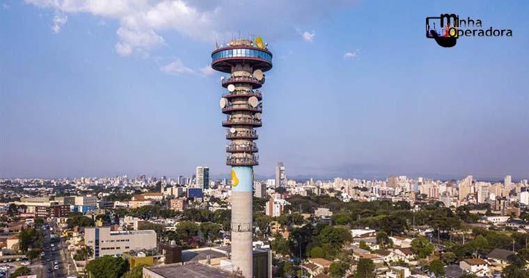 Torre de Curitiba passa por reformas após reclamações de turistas