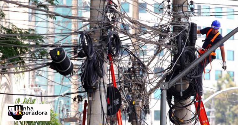 Eletropaulo anuncia que irá cortar cabos sem identificação