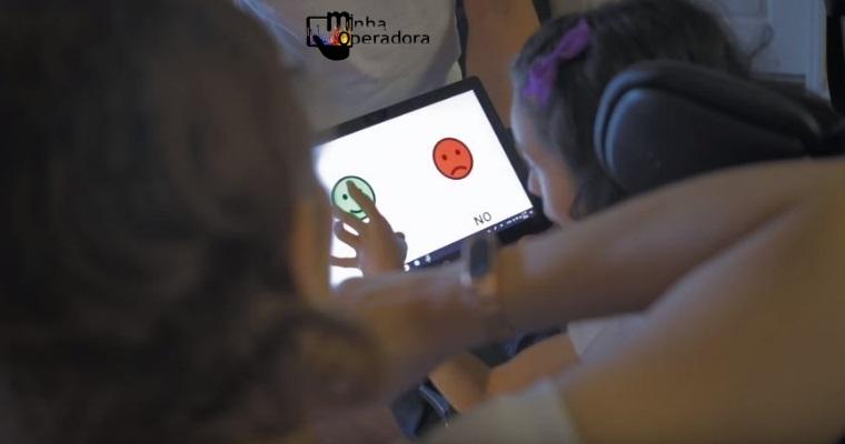 Veja a história do pai que criou um app para filha com dano cerebral