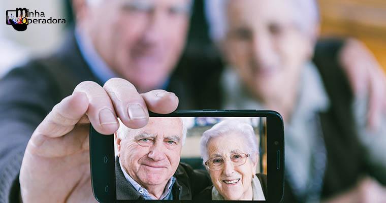 Vivo promove workshop para descomplicar a tecnologia para idosos