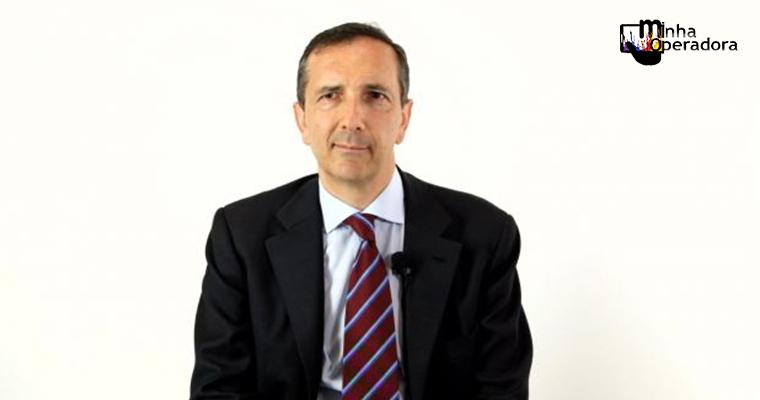 Telecom Italia, dona da TIM, escolhe novo CEO