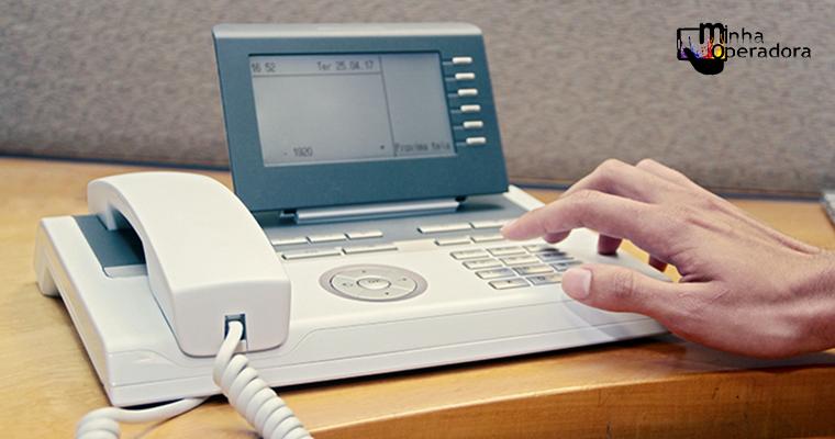 Número de linhas de telefonia fixa ativas cai 5% em um ano