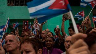 Cubanos agora podem acessar internet pelo smartphone