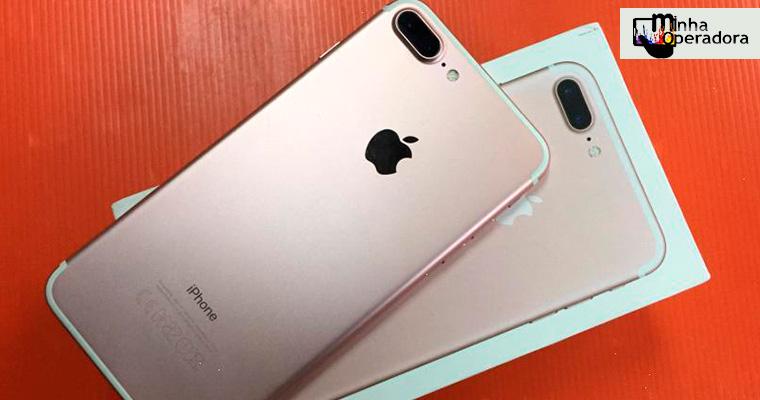 Mulher compra iPhone mas encontra pregos dentro da caixa