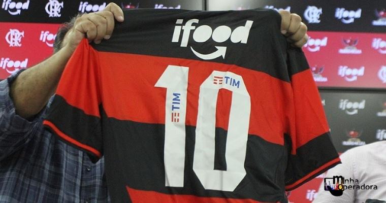TIM posta homenagem às vítimas de tragédia no CT do Flamengo