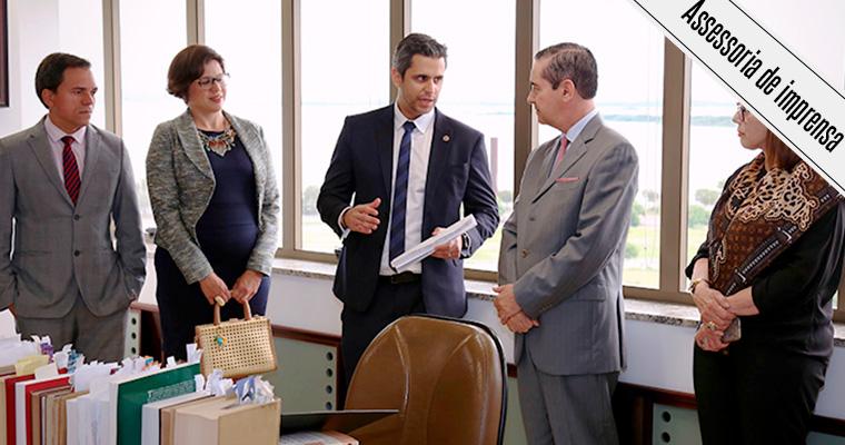 Anatel e TRF4 assinam acordo em Porto Alegre