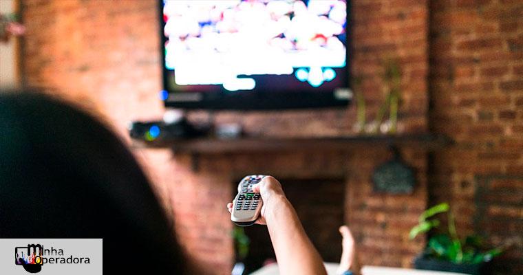 Agora é lei: consumidor poderá cancelar TV paga pela internet