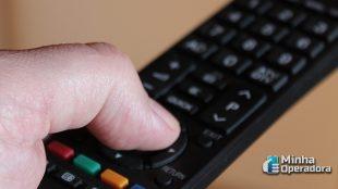 Claro acredita que a economia tem culpa pela queda da TV paga