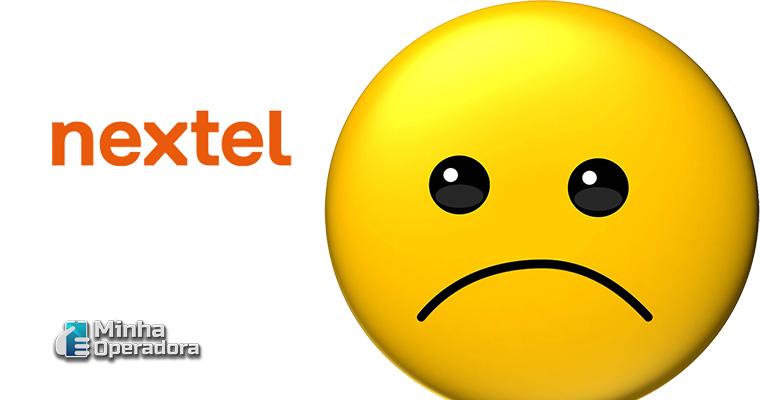 Ilustração emoji triste
