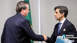 Bolsonaro recebe a visita de presidente global da Telefónica