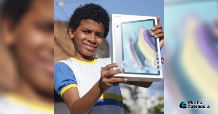 Guilherme Henrique Santos, o menino que estudava na loja da Samsung.