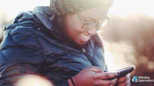 Recarga de celular pré-pago pode ganhar validade de um ano