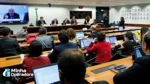 Anatel quer reduzir taxas para baratear internet via satélite