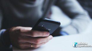 Anatel estuda reduzir prazo para bloqueio de celulares piratas