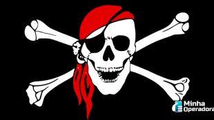 Brasileiros estão consumindo menos produtos piratas, diz relatório