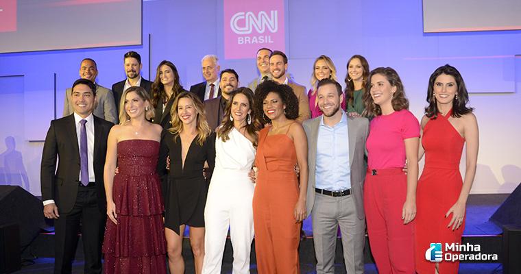Equipe de jornalismo da CNN Brasil reunida. Imagem: Divulgação Twitter