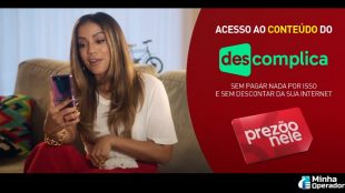 Anitta divulga nova parceria da Claro em comercial