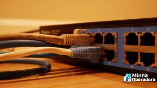 Banda larga fixa supera número de acessos da telefonia