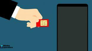 Governador do MA quer comprar 80 mil chips de celular para alunos