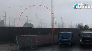 Ventania derruba torre de telefonia em São Luís