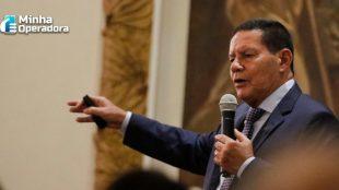 Brasil não teme consequências se optar pela Huawei, diz Mourão