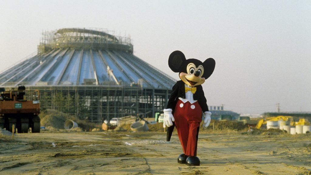 Cena de A História do Imagineering, do Disney+