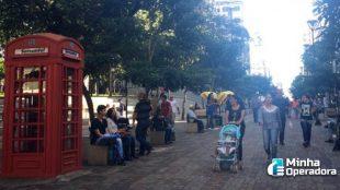 'Orelhões britânicos' da Sercomtel são removidos no Paraná