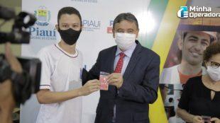 Piauí compra para estudantes 180 mil chips da Claro e da Vivo