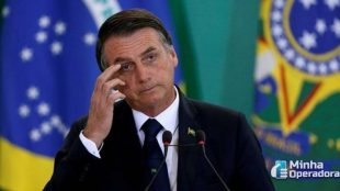 Vitória de Biden já faz Bolsonaro reconsiderar banimento da Huawei