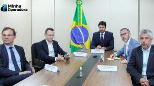 Ministro das Comunicações convence operadoras sobre o 5G