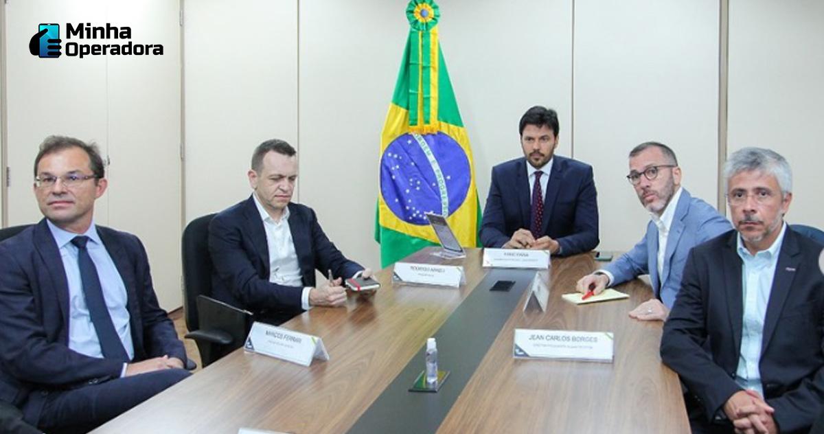 Imagem: Reunião entre operadoras e Governo, registrada pelo ministro Fábio Faria.