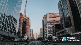 São Paulo multa quase mil antenas de celular por irregularidades