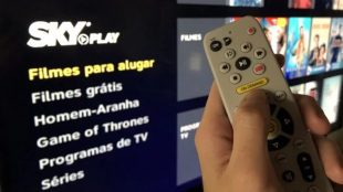 SKY Play passa oferecer via streaming canais ao vivo da TV aberta