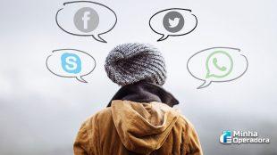 WhatsApp adia mudança após polêmica