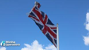 Após Huawei, Reino Unido bane canal de TV chinês