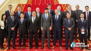 Fábio Faria visita instalações da Huawei, na China