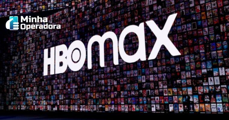Logotipo do HBO Max e ao fundo, um grande catálogo de conteúdos.