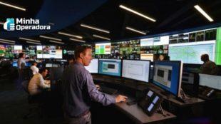 Imagem ilustrativa de um centro de operações da Intelsat