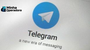 Logotipo do Telegram na tela de um celular.
