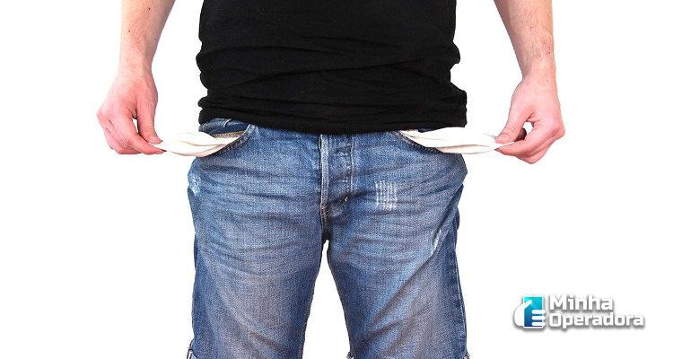 Consumidores estão economizando mais em serviços de telefonia e internet