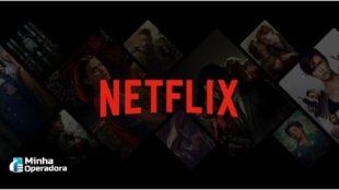 Logotipo da Netflix em vermelho, com o fundo preto e imagens translúcidas de conteúdos da plataforma.