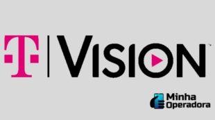 Logotipo da TVsion em rosa e preto com o fundo cinza.